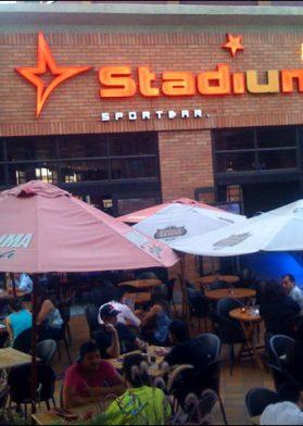 Quieres Un Happy Hour En El Stadium Bar Lo Encuentras