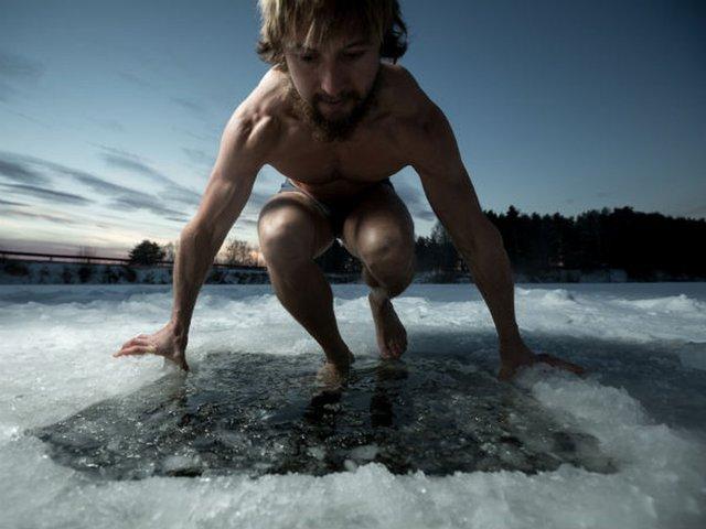 Un baño en agua fría es una de las prácticas más utilizadas para después de largas jornadas de ejercicio físico. Foto: ShutterStock