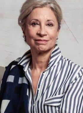 24977718cd9b Loreto Valenzuela se luce como modelo de campaña de ropa interior